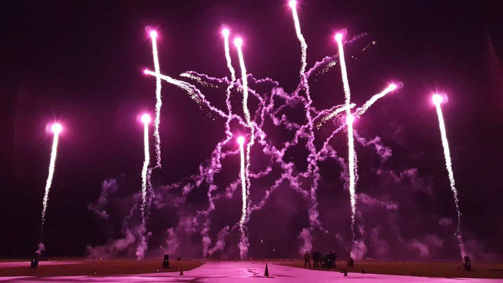 Ein Feuerwerk Musiksynchrones dargestellt durch Benjamin Stolten